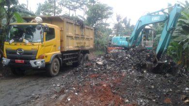 Photo of Sampah Kp. Cikallagan Desa Cileungsi Kota, Kecamatan Cileungsi Kidul Dibersihkan