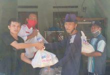 Photo of Tim Swadaya Penaggulangan Wabah Virus Covid-19 RT 002 menerima bantuan dari BANK BRI