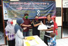 Photo of Bansos Kota Depok Tidak Menyeluruh, RW 016 Kelurahan Mekarjaya Bagikan Sembako Kepada Warga Secara Swadaya