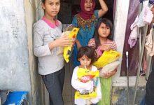 Photo of Novi Anggriani bagikan bingkisan untuk Anak Yatim dan Guru Ngaji