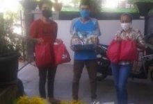 Photo of Ketum Komunitas NADI CenterBagikan Paket Untuk Anak Yatim di Sukmajaya